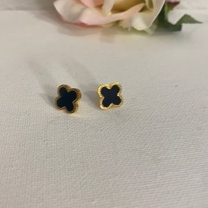 LV earring gold plated black & gold